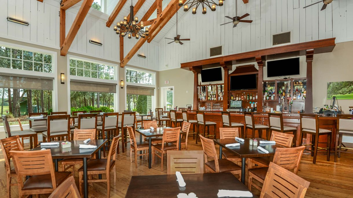 Victoria Hills | Sparrows Grille | DeLand | Neighborhood Dining